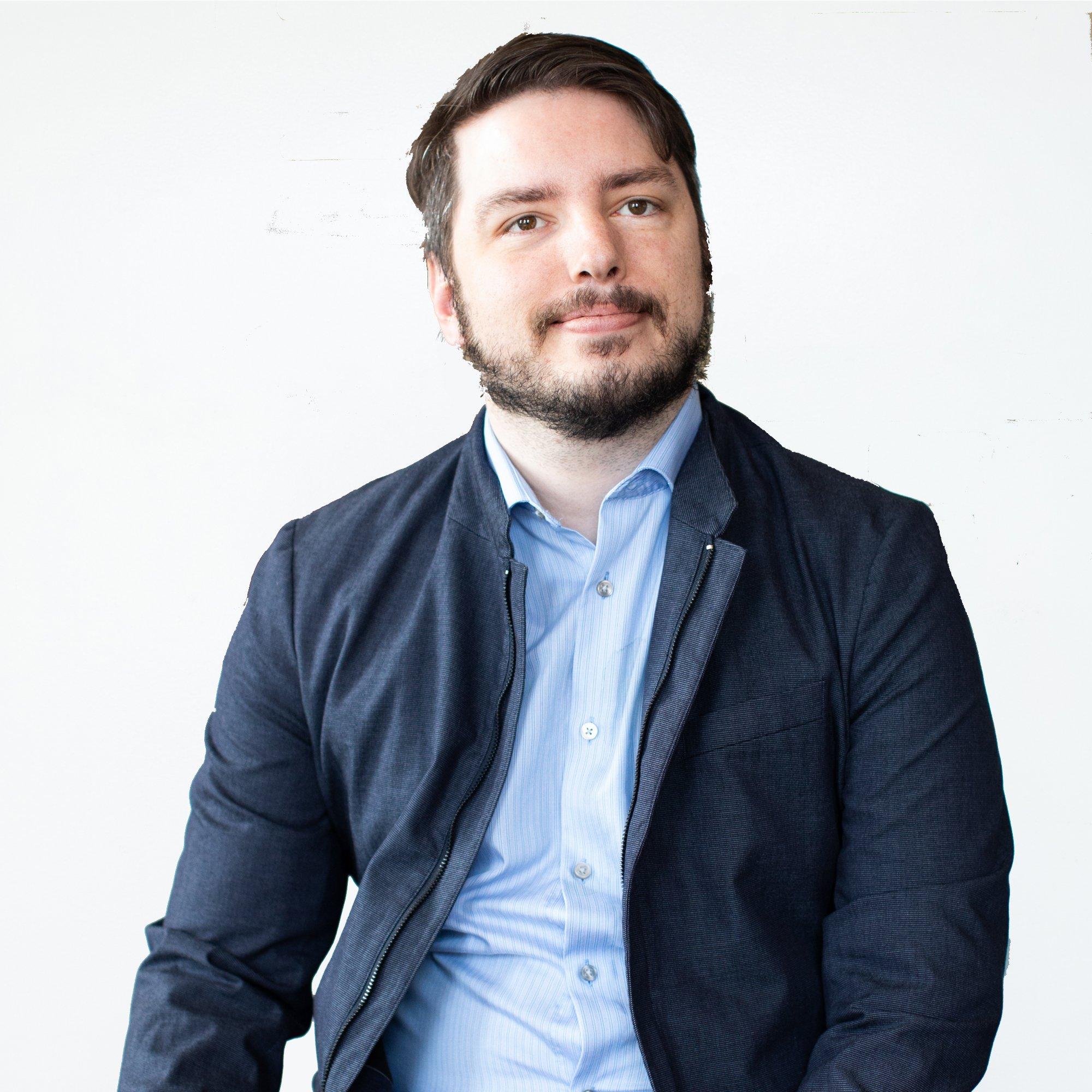 https://cdn2.hubspot.net/hubfs/4436636/Bernardo%20Restrepo%20AdvisorEngine2.jpg